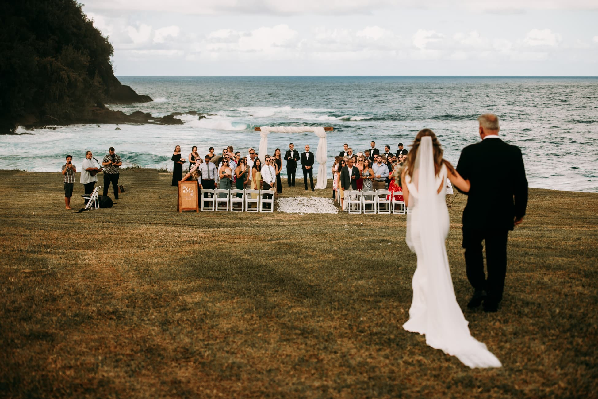 Oahu Wedding Photographer Rodrigo Moraes